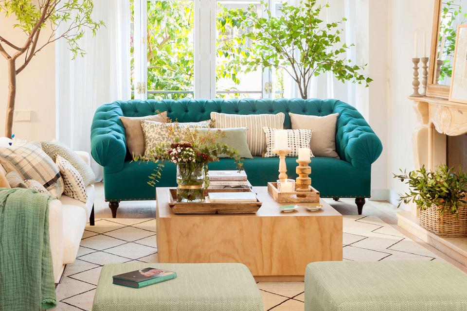 Cojines para sofa verde oscuro y tonos verdes claros